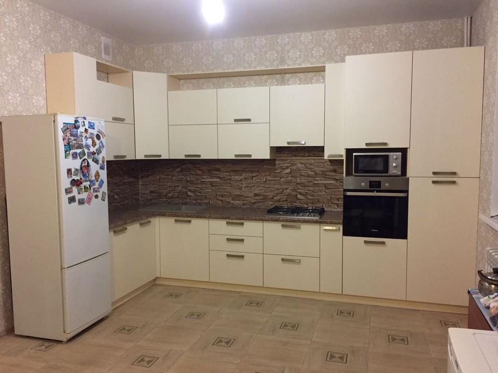 Белый кухонный гарнитур-Кухня МДФ в ПВХ «Модель 165»-фото2