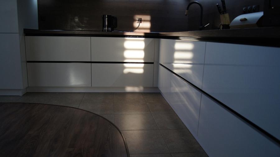 Белый кухонный гарнитур-Кухня из пластика «Модель 270»-фото4
