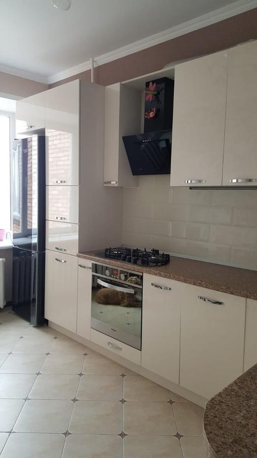 Белый кухонный гарнитур-Кухня из пластика «Модель 377»-фото3