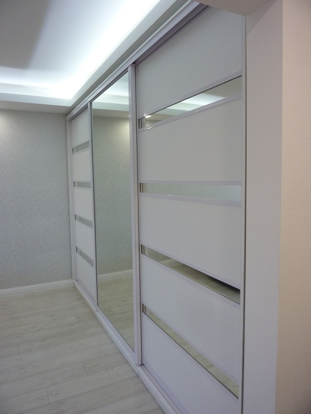 Белые шкафы-купе-Шкаф-купе с зеркалом «Модель 260»-фото2